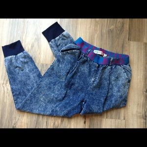 Run Is Girl Vintage Style Pant Size M